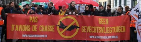 """Vidéo et photos de la manifestation """"Pas d'avions de chasse"""""""